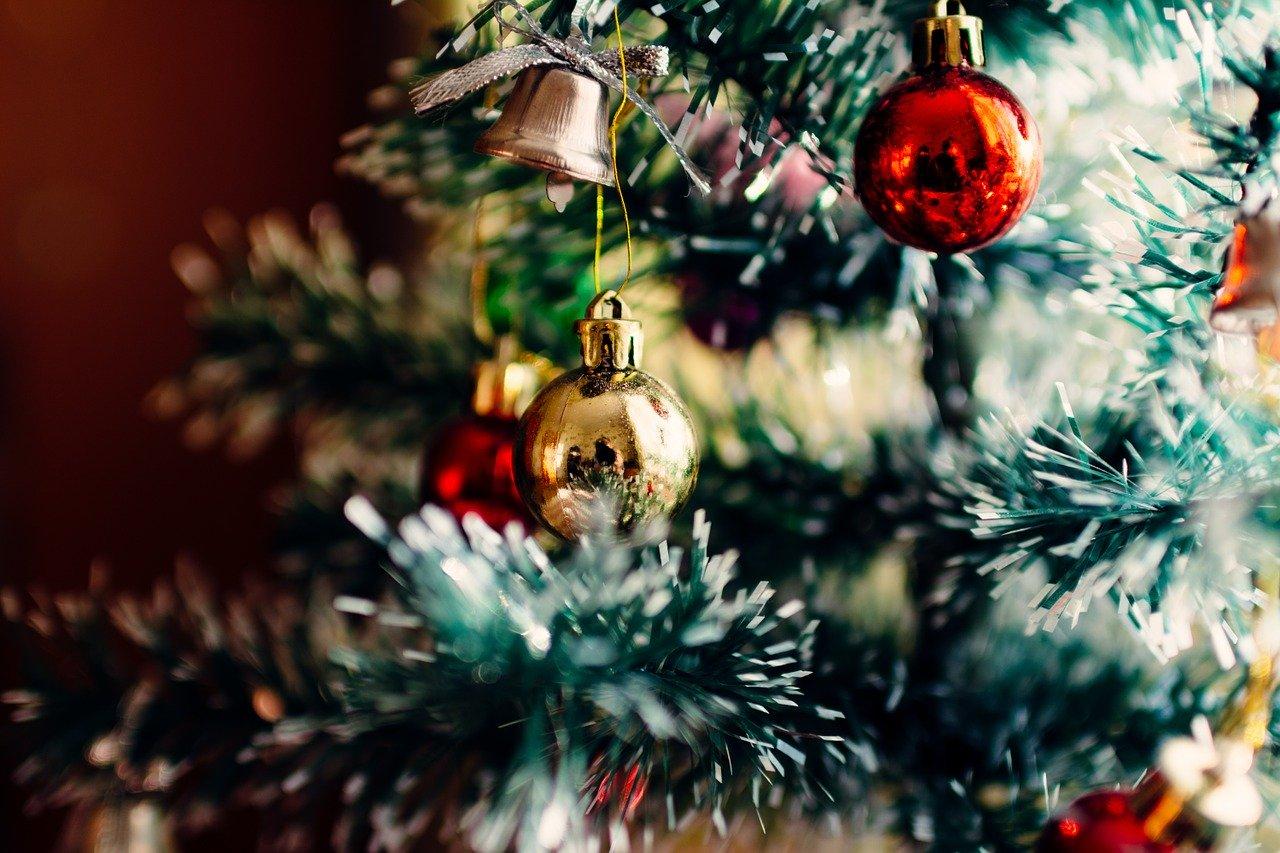 知ってた? クリスマスカラーの意味と由来。